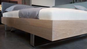 Design bed STEP-G XL massief hout zonder hoofdbord Holzmanufaktur