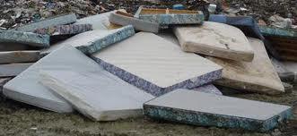 Vlekken reiniging. Hoe maak ik mijn matras schoon?